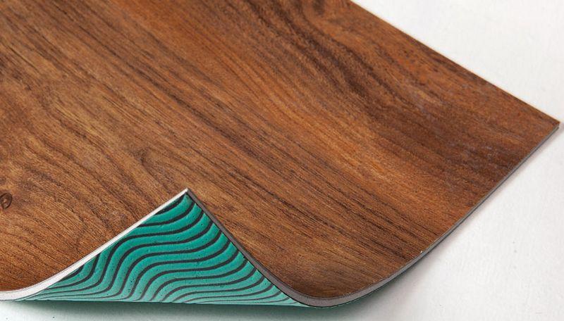 Плитка ПВХ FREE c антискользящим резиновым или клеевым напылением на нижней части плиты